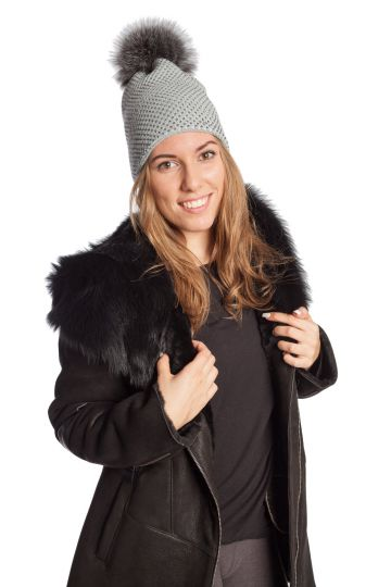Knitted cap with fur tassel - 03