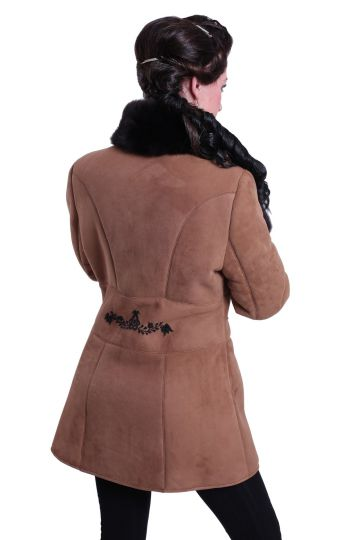 'Antónia' lambskin coat with black hand-made embroidery - 03