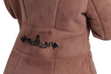 'Antónia' lambskin coat with black hand-made embroidery - 06